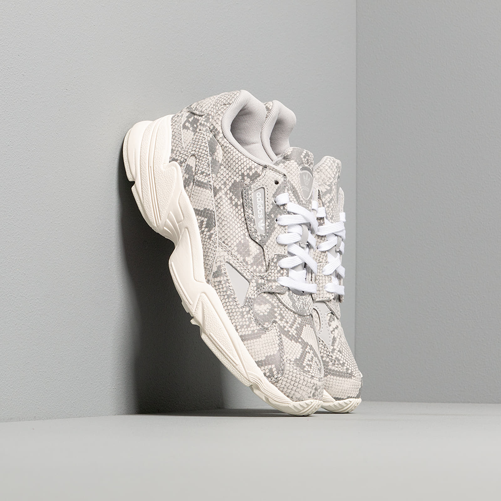 Women's shoes adidas Falcon W Off White/ Grey Two/ Ftw White