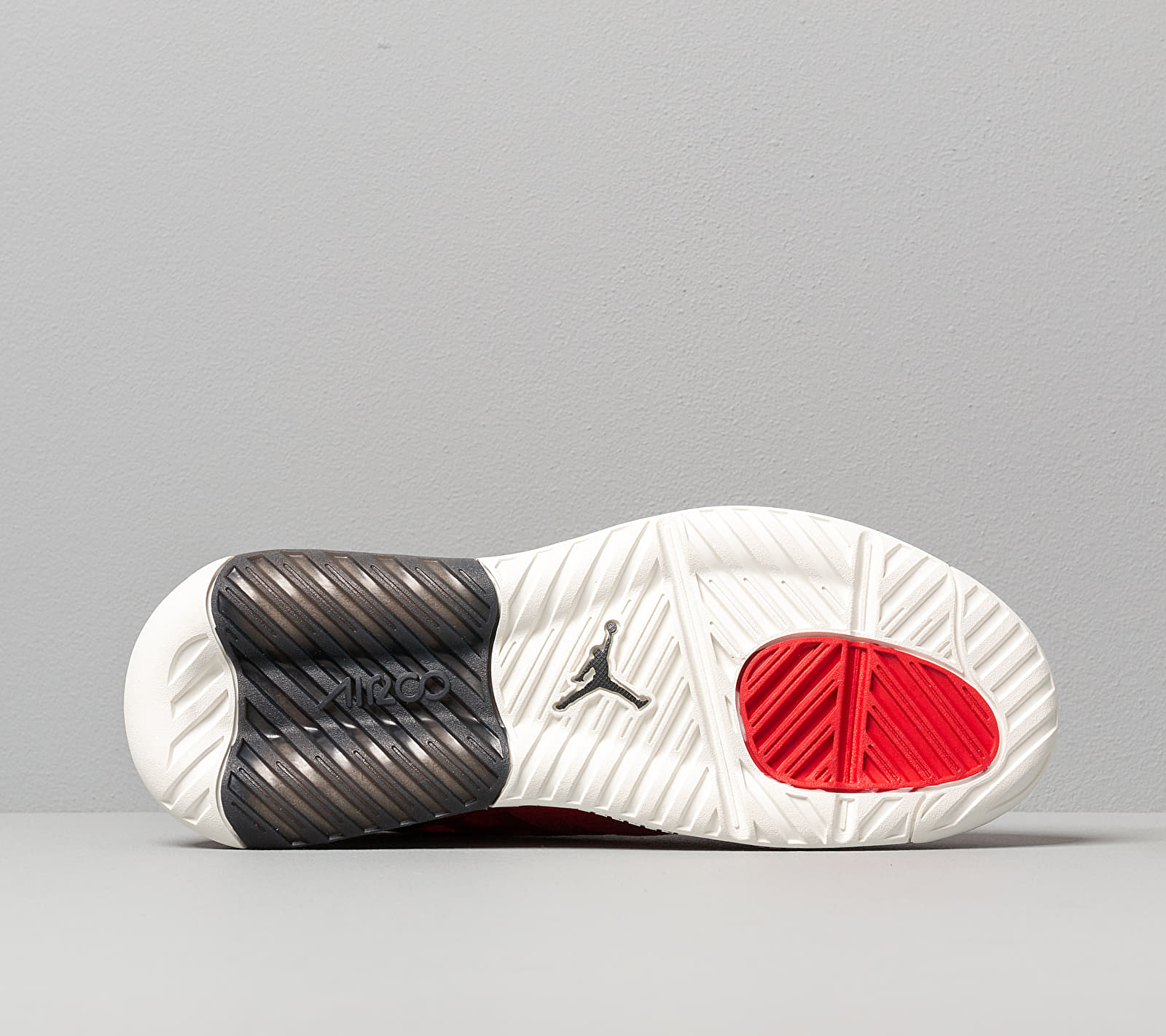 Jordan Max 200 Fire Red/ Black-Sail