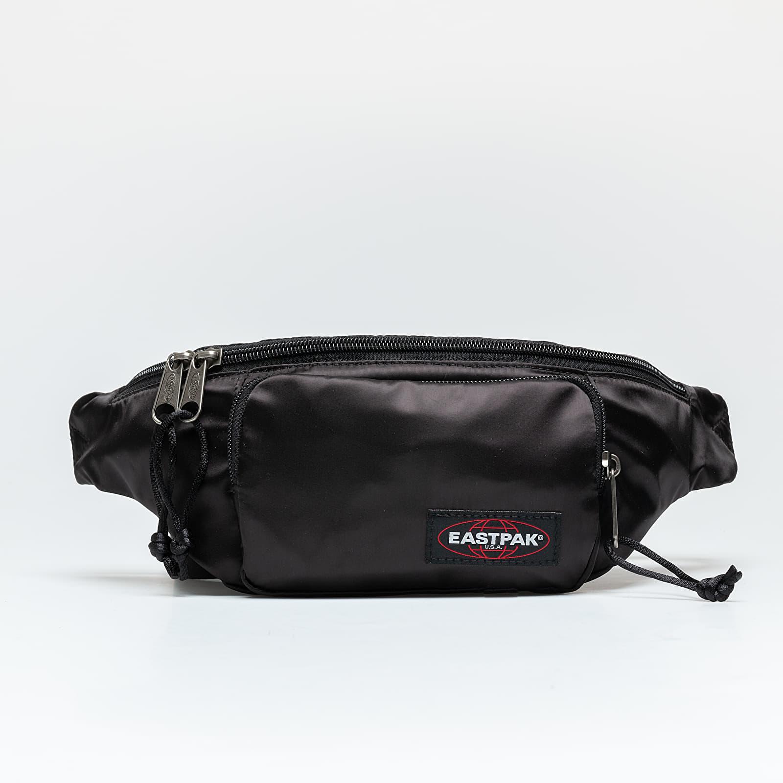 Ledvinky EASTPAK Page Waist Bag Satin Black