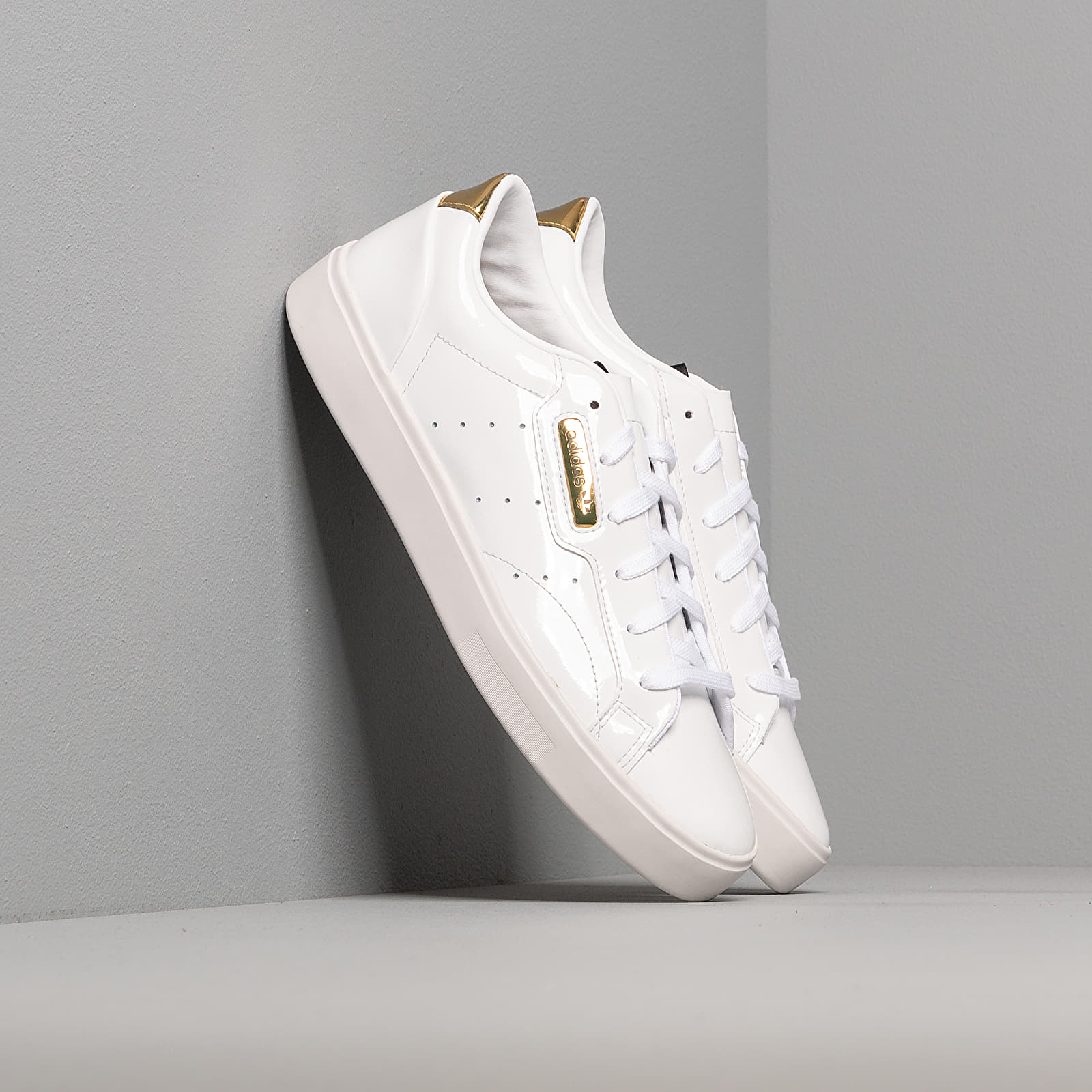 Жіноче взуття adidas Sleek W Ftw White/ Crystal White/ Gold Metalic