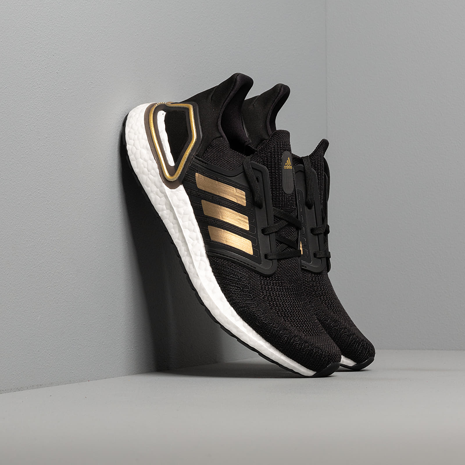 Men's shoes adidas UltraBOOST 20 Core Black/ Gold Metalic/ Solid Red