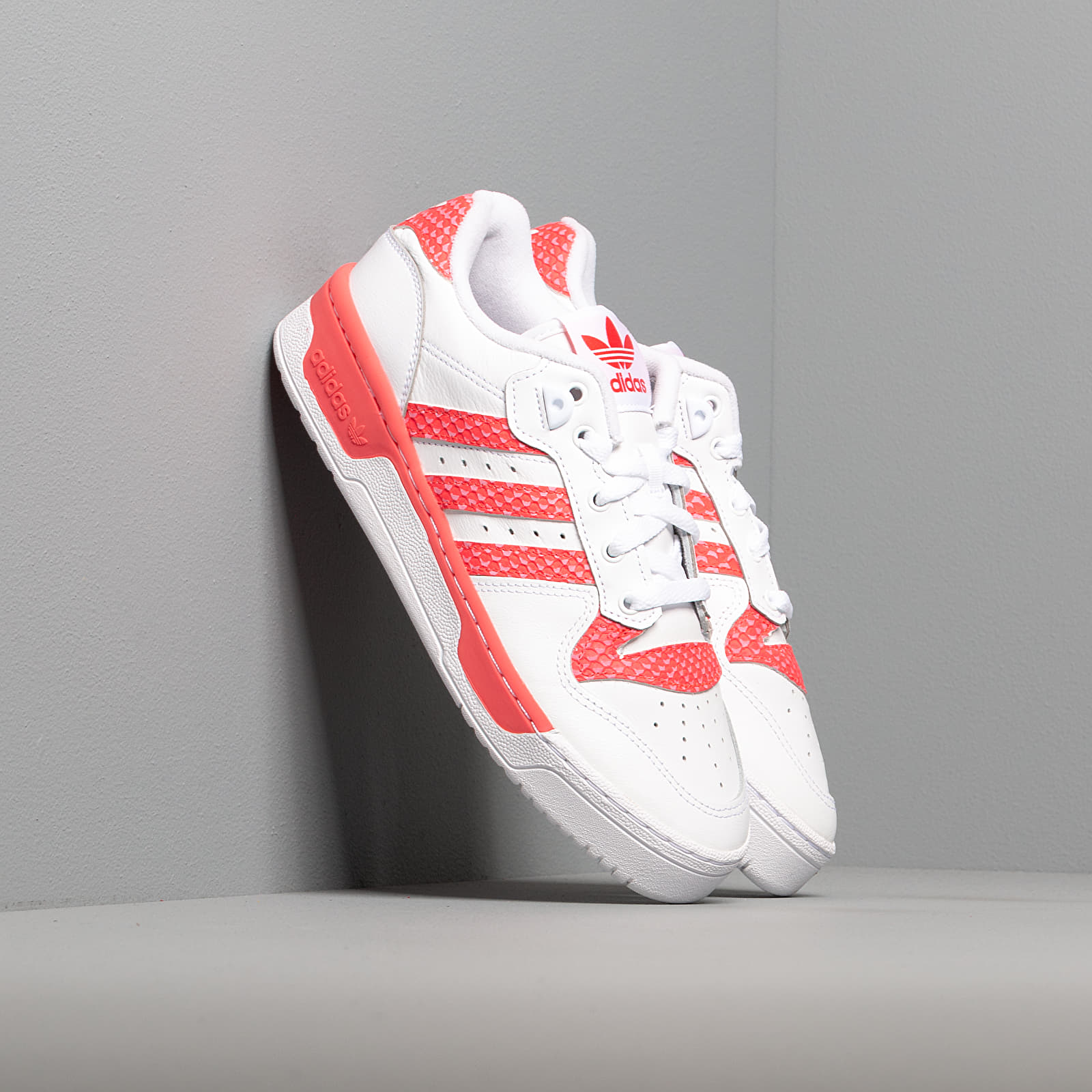 Women's shoes adidas Rivalry Low W Ftw White/ Ftw White/ Shock Red