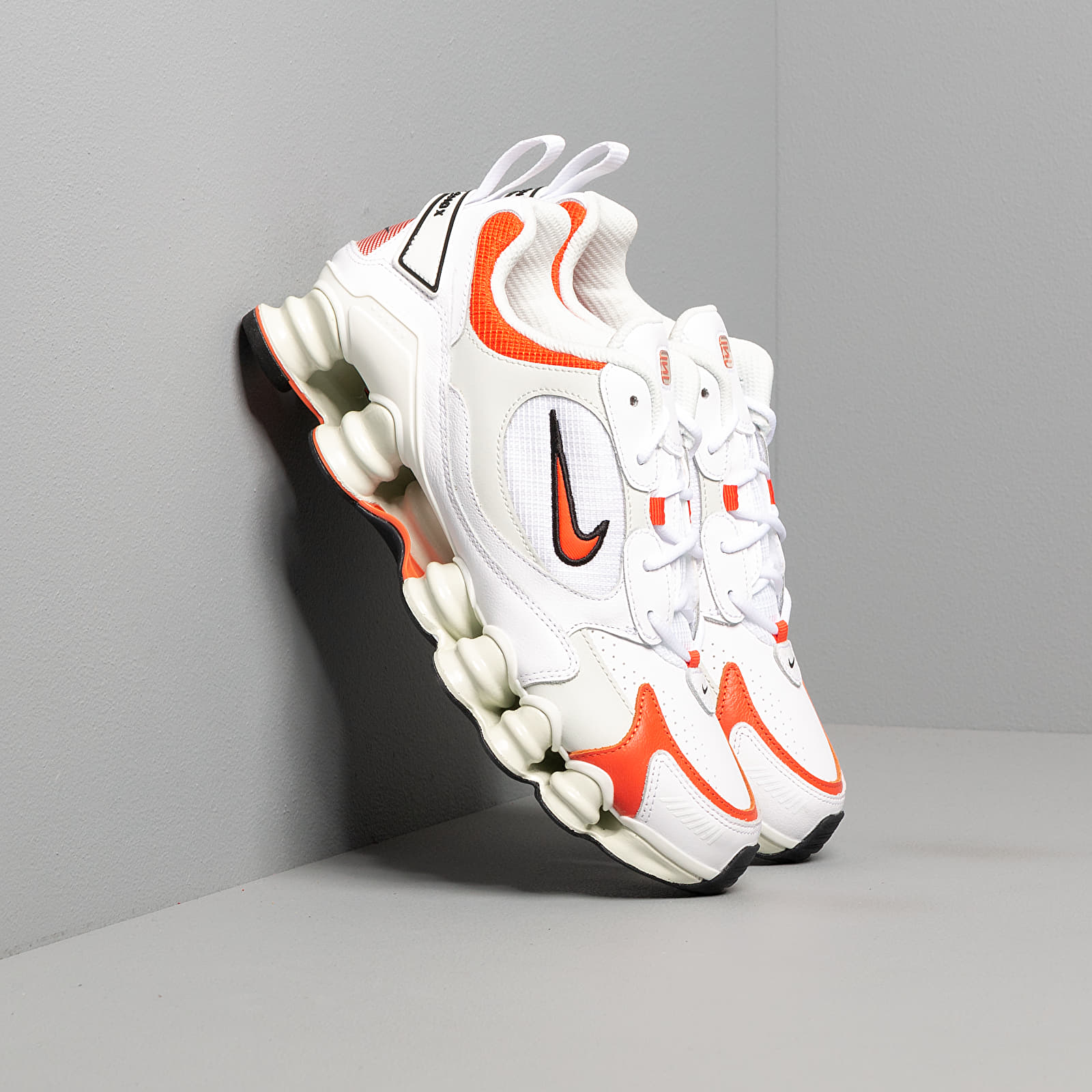 Dámské tenisky a boty Nike W Shox TL Nova White/ Team Orange-Spruce Aura-Black