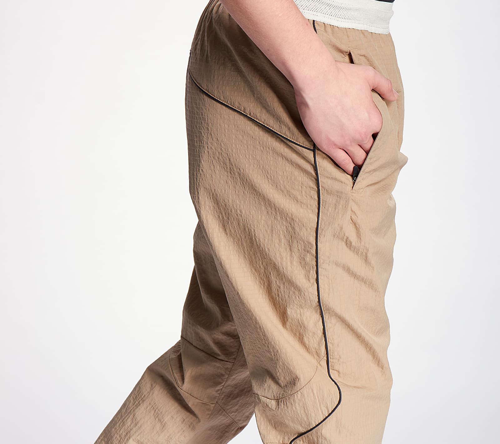 Nike Sportswear DNA Woven Pants Khaki/ Light Bone, Green