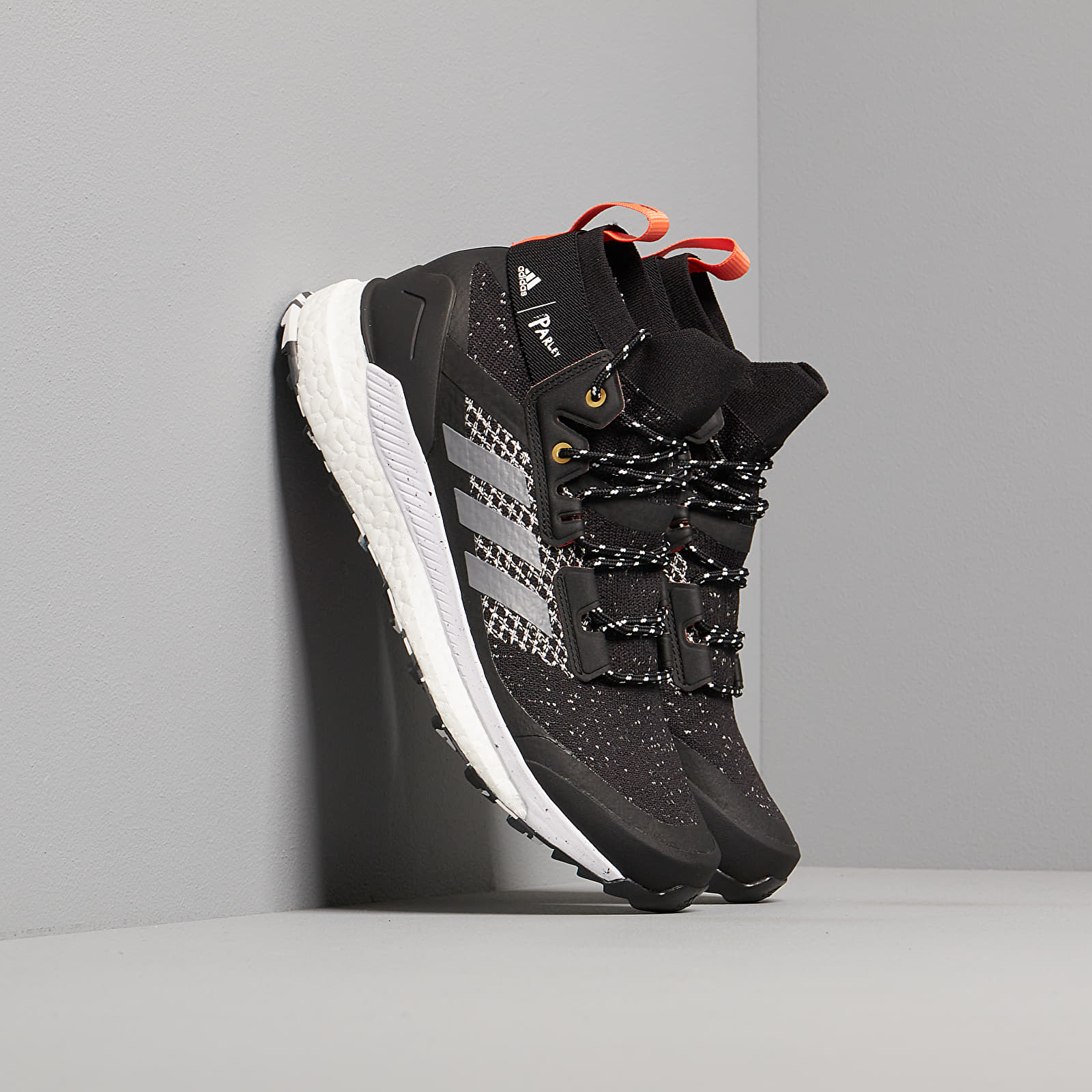 Pánske tenisky a topánky adidas x Parley Terrex Free Hiker Core Black/ Grey Three/ Blue Spirit
