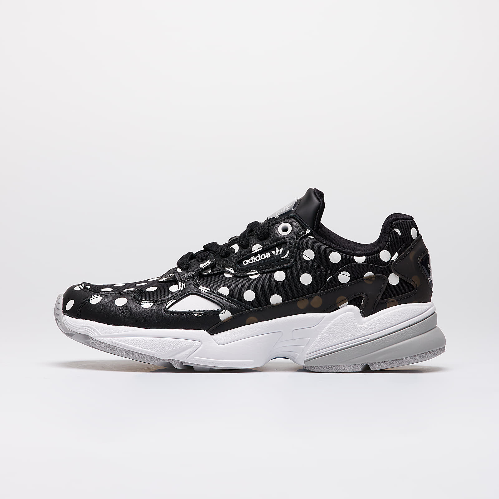Frauen adidas Falcon W Core Black/ Crystal White/ Grey Two