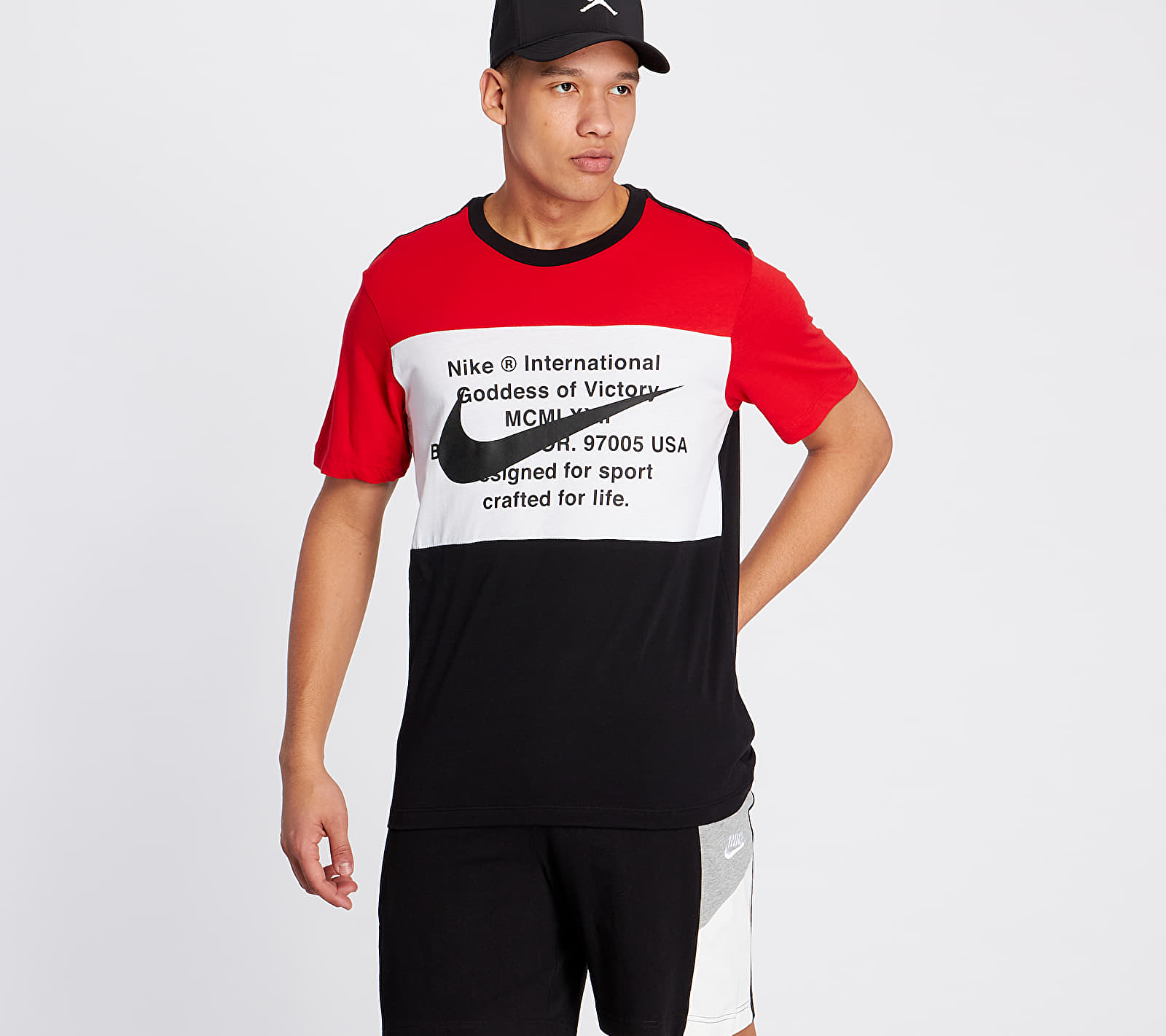 Nike Sportswear Swoosh Tee Black/ University Red/ White