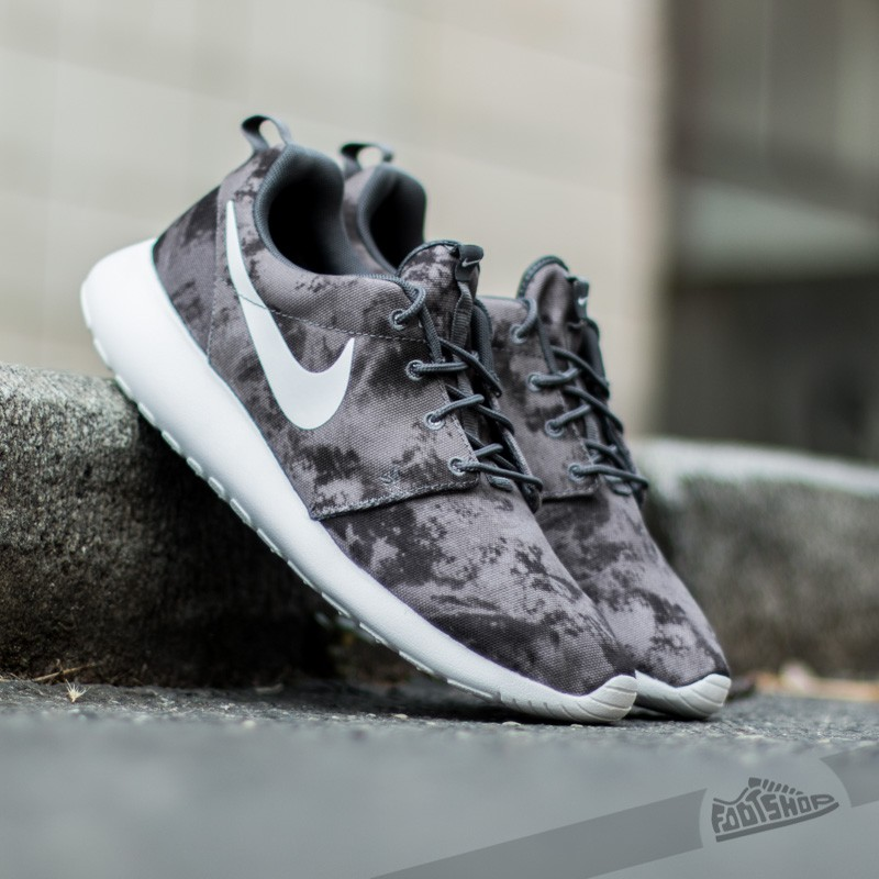 timeless design 12baf 3855c Nike Roshe One Print. Dark Grey White- Black- ...
