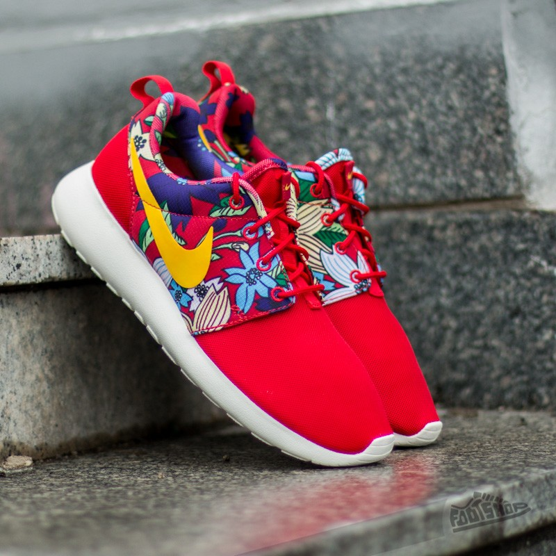 lowest price 66ad6 ac3ab Nike Wmns Roshe One Print University Red/ Tour Yellow | Footshop