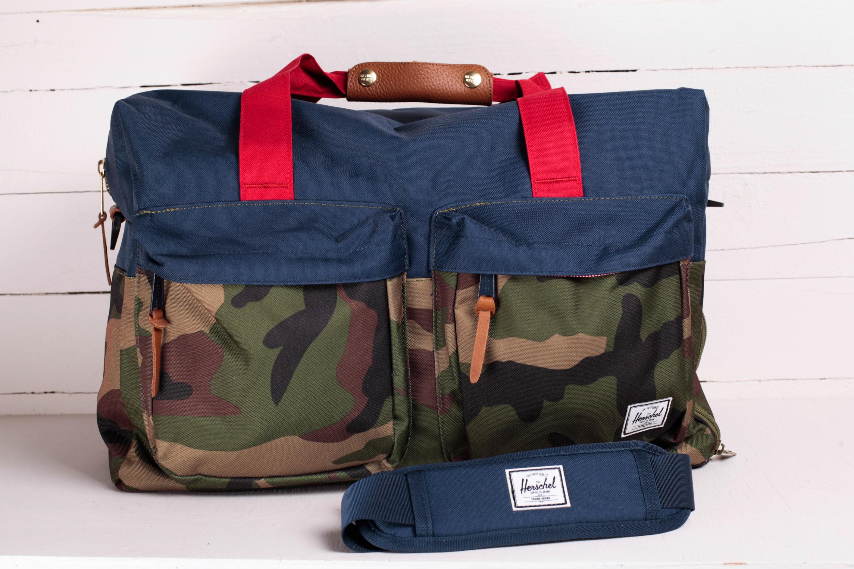 Herschel Supply Co. Walton Duffle Bag W. Camo  Navy  Red  8f8e6a958f520