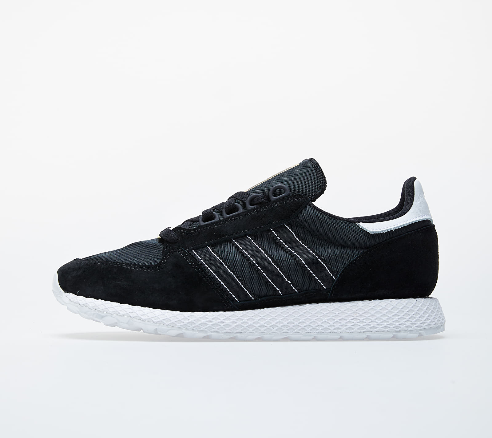 adidas Forest Grove Core Black/ Core Black/ Ftw White EUR 47 1/3