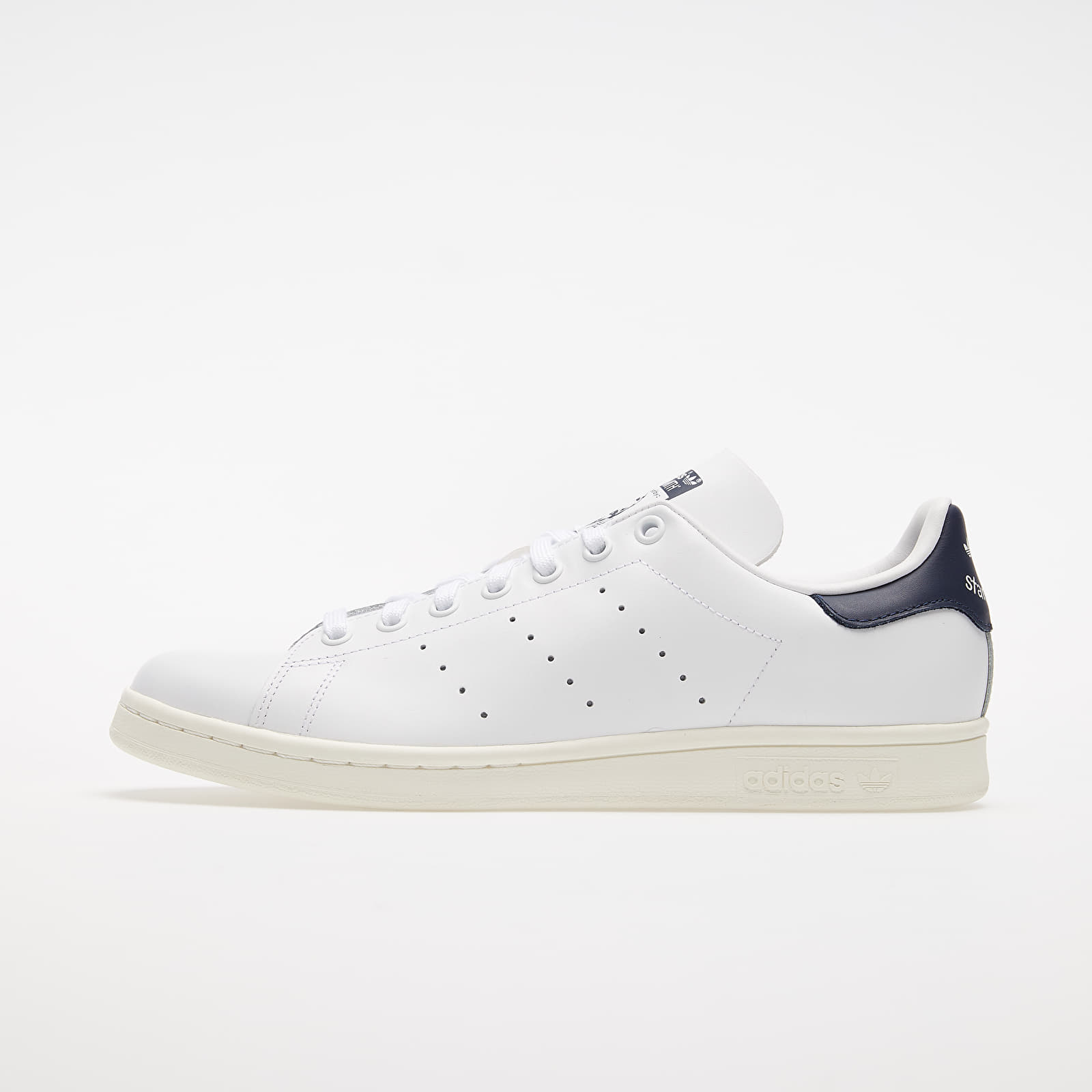 Chaussures et baskets homme adidas Stan Smith Ftw White/ Off White/ Collegiate Navy