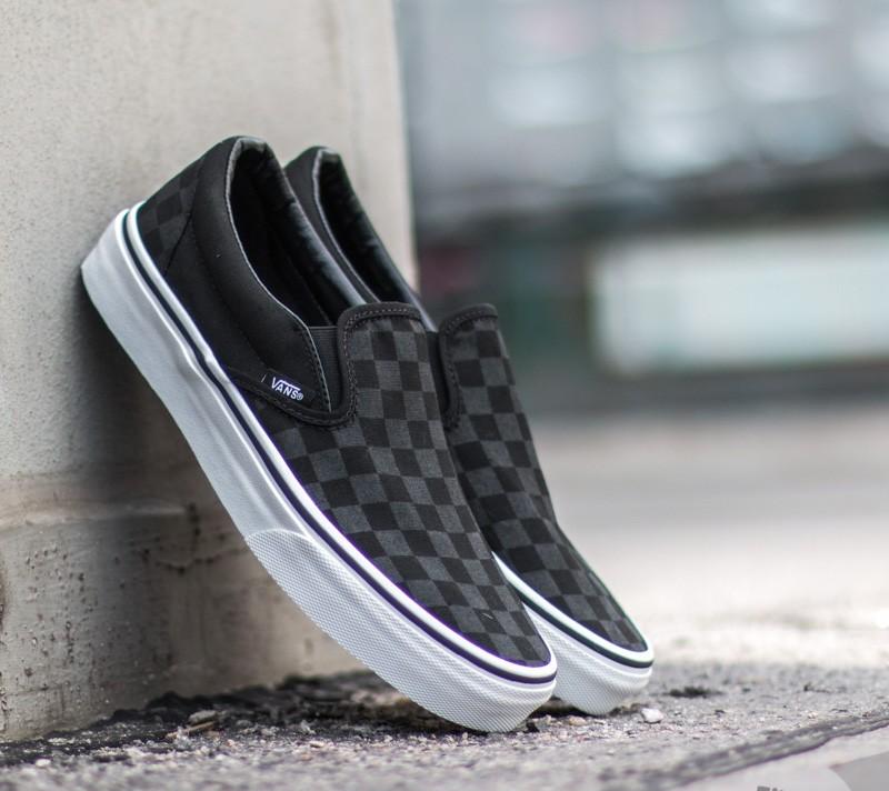 vans classic slip on black black