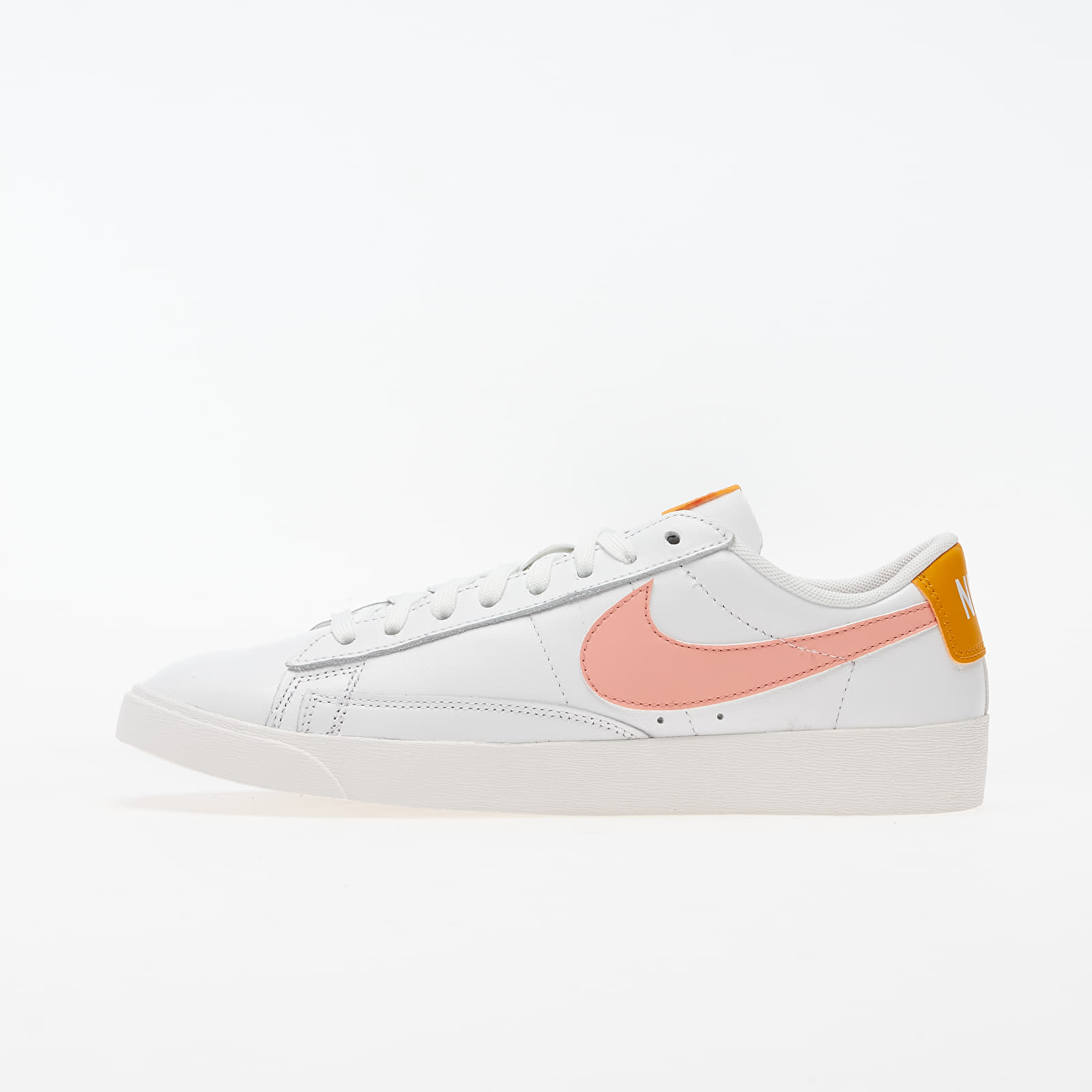 Frauen Nike W Blazer Low Le Summit White/ Pink Quartz-Pollen Rise