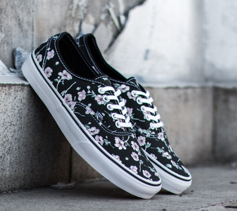 b6cfb13d9c52bb Vans Authentic Vintage Floral Blue Graphite