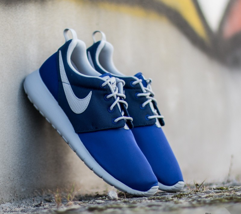 ca42ceaa32a0 Nike Roshe One (GS) Deep Royal Blue  Wolf Grey-Midnight Navy ...