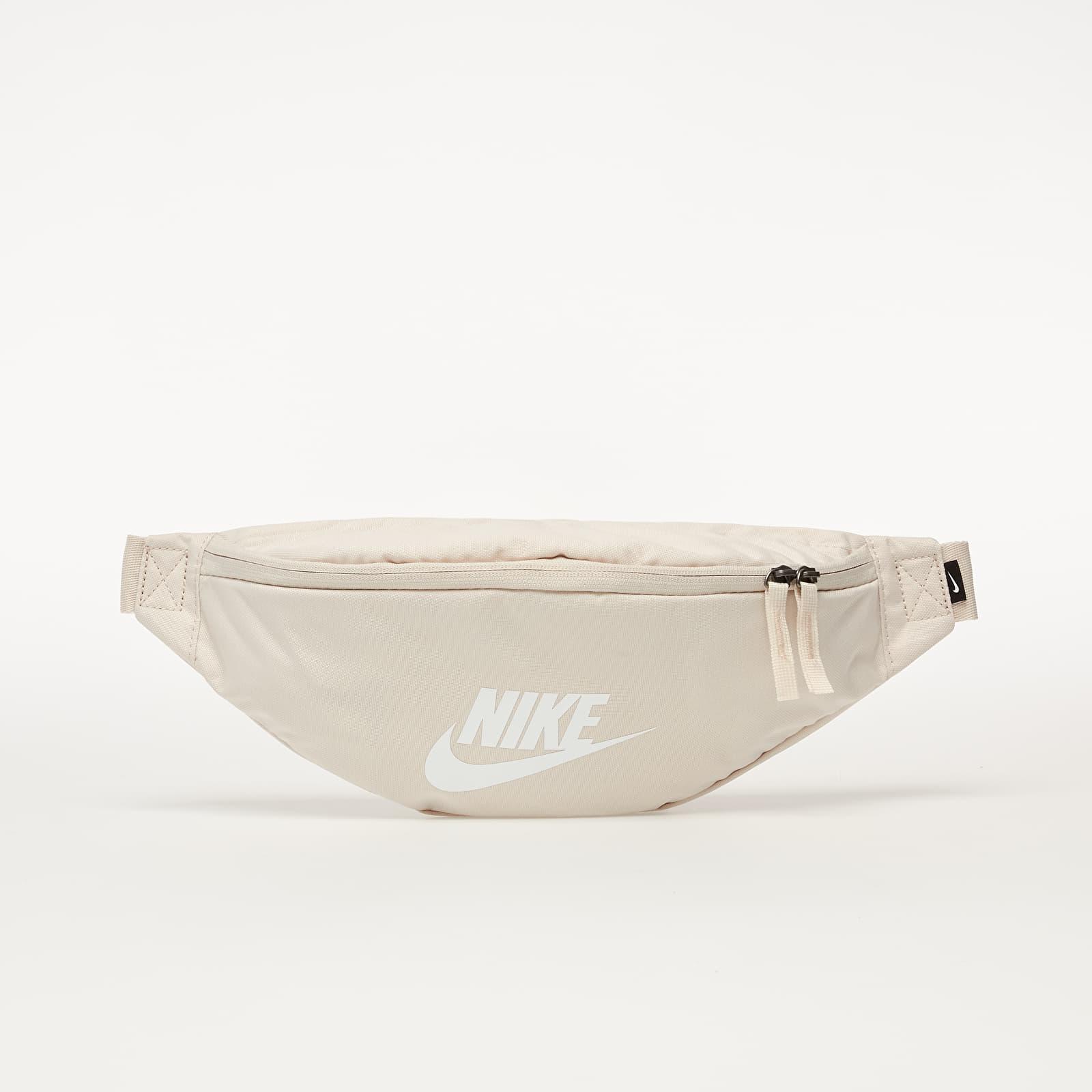 Övtáska Nike Sportswear Heritage Hip Pack Lt Orewood Brn/ Lt Orewood Brn/ White