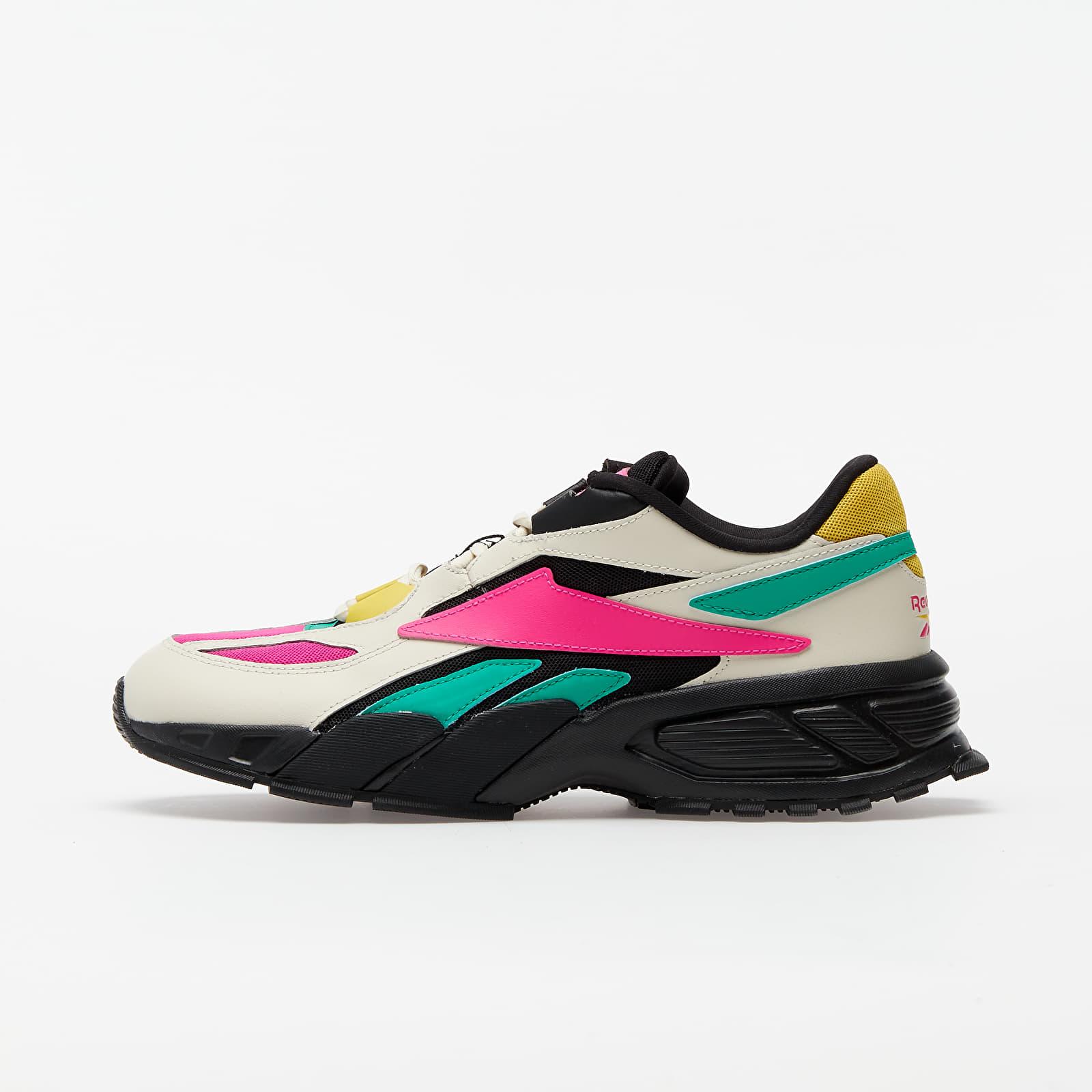 Scarpe e sneaker da donna Reebok EVZN Alabaster/ Pro Pink/ Court Green