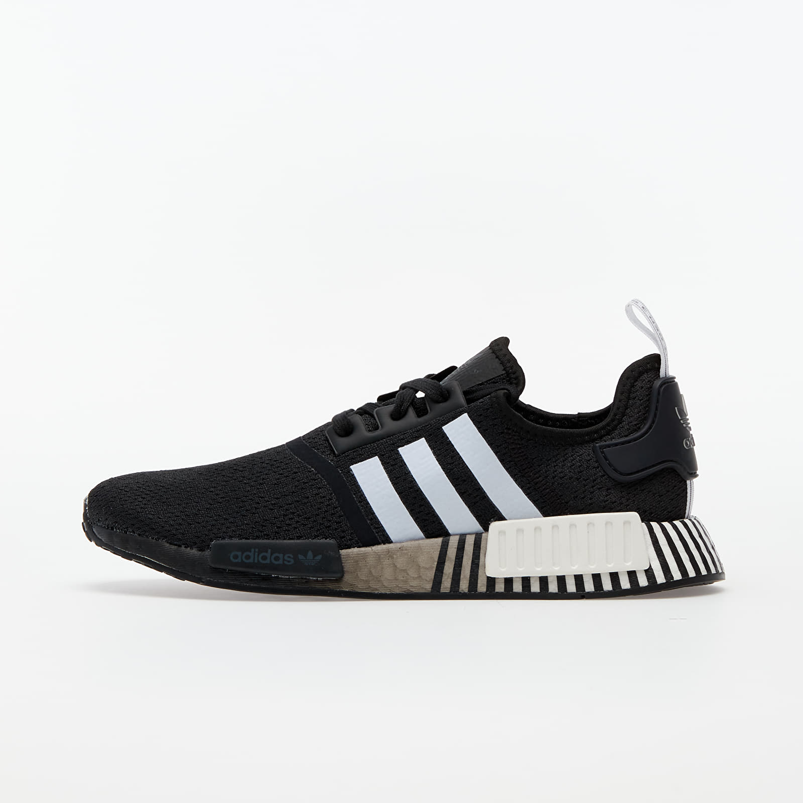 adidas NMD_R1 Core Black/ Ftw White/ Core Black EUR 45 1/3