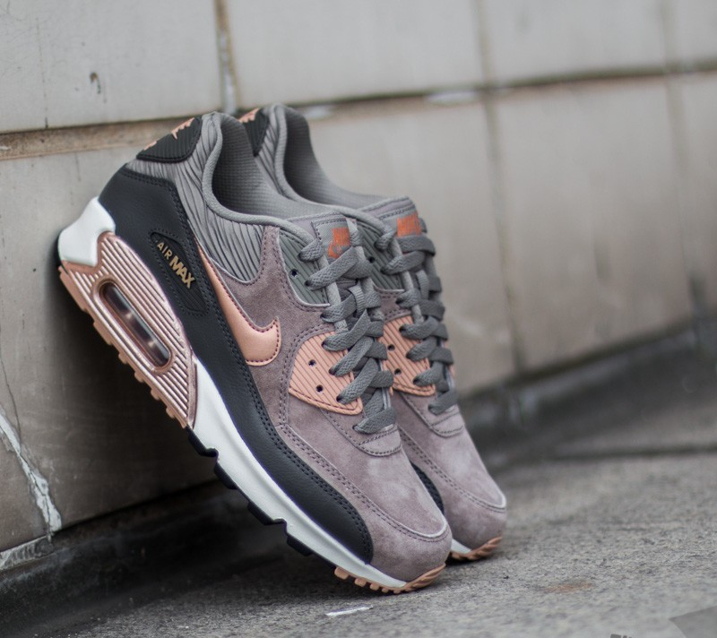 buy online b048e 14b30 Nike Wmns Air Max 90 Leather. Iron  Metallic Red Bronz- Dark Storm