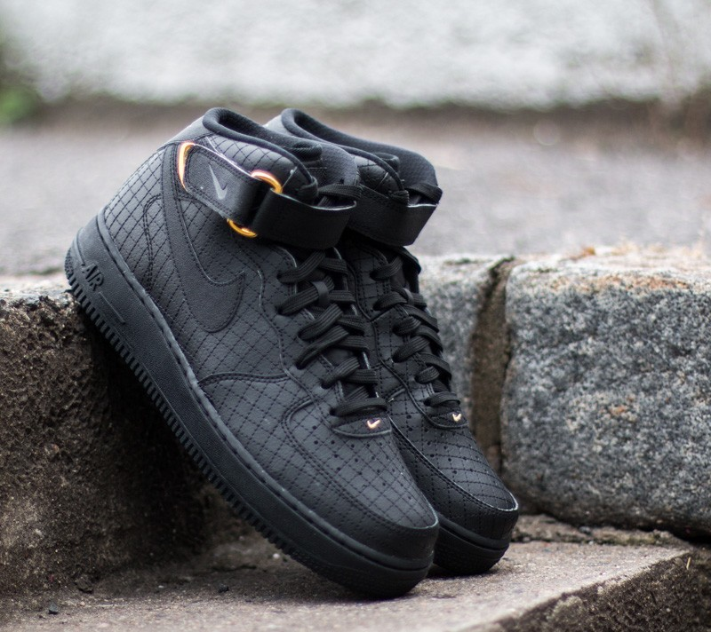 78695033890b Nike Air Force 1 MID ´07 LV8 Black  Black