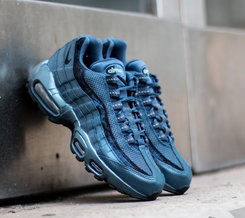 92494a8a938 where can i buy nike wmns air max 95 prm metallic armory navy black sqadron  blue