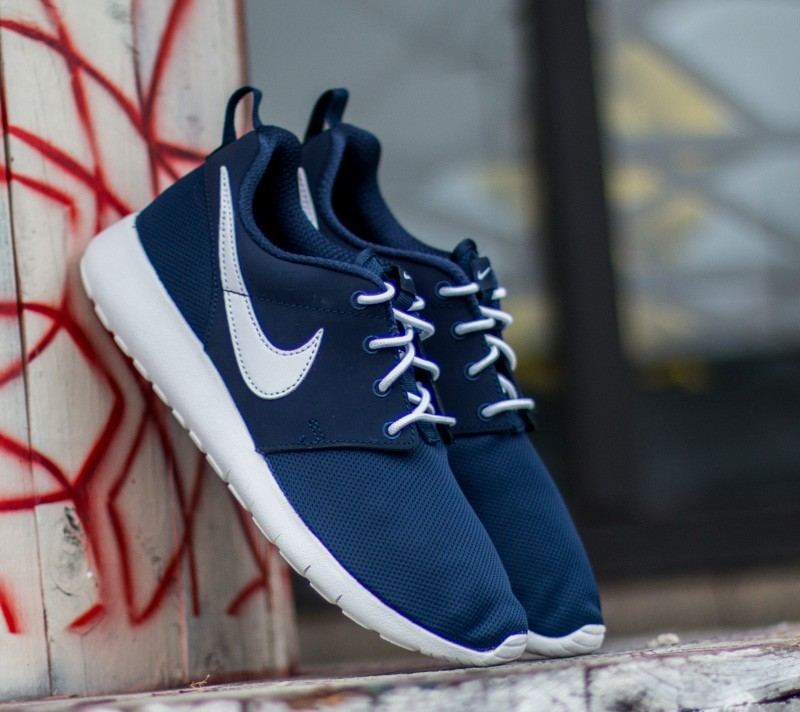 65f34ac57300 Nike Roshe One (GS) Midnight Navy  White