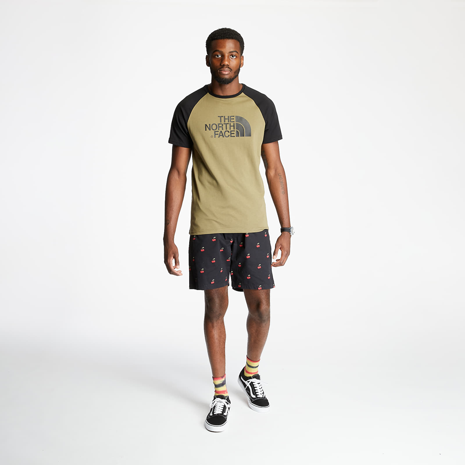 T-shirts The North Face Raglan Easy Tee Olive Green