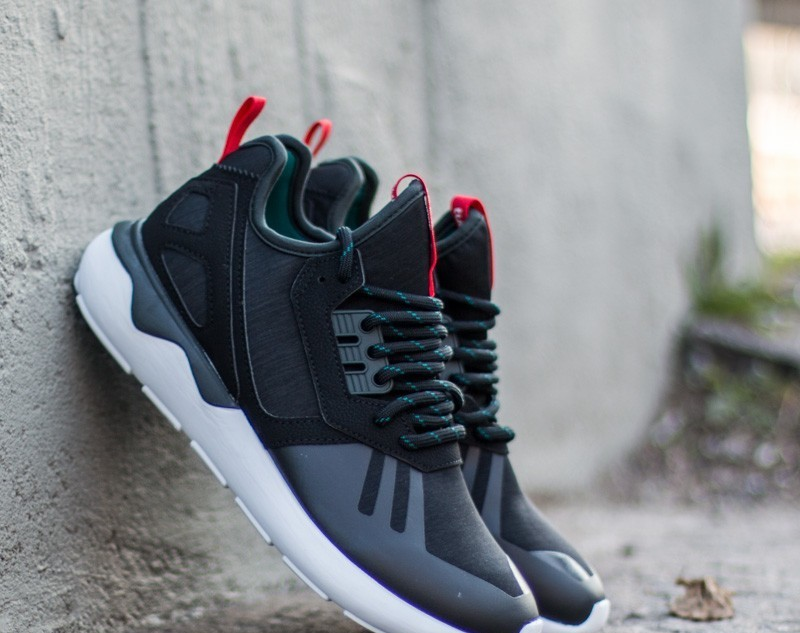 on sale ecd8d 5be56 adidas Tubular Runner Weave Core Black  Tomato  Ftw White