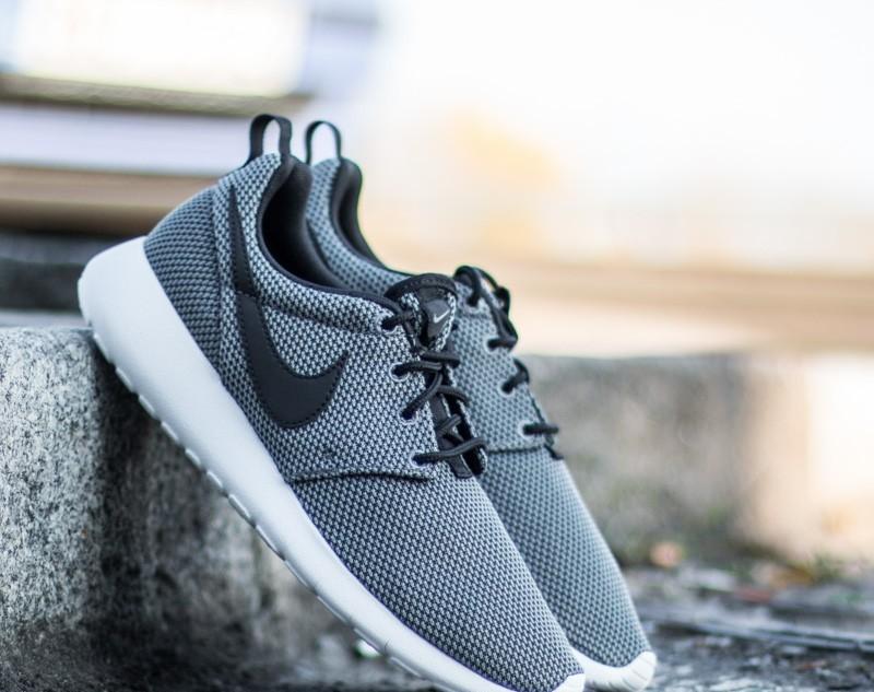 0b0dbd43f531 Nike Roshe One (GS) Cool Grey  Black-White-Grey