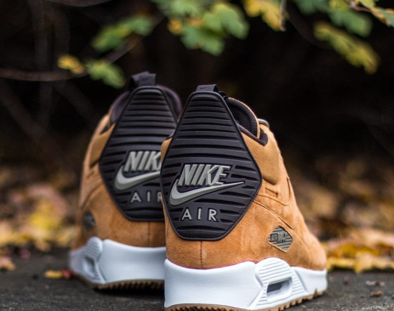 Nike Air Max 90 SneakerBoot Winter Bronze Black Bamboo