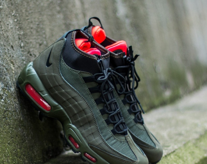b43d5f7d10 ... greece nike air max 95 sneakerboot dark loden black khaki bright  crimson 598b3 77bbe