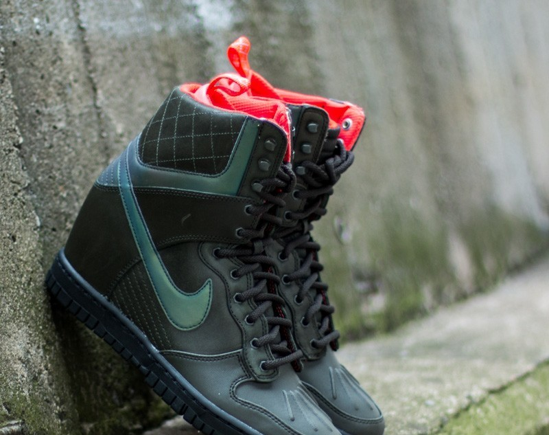 Nike W Dunk Sky Hi 2 SneakerBoot Reflect Sequoia  Bright Crimson- Mint-  Black 03b6b6256dbd