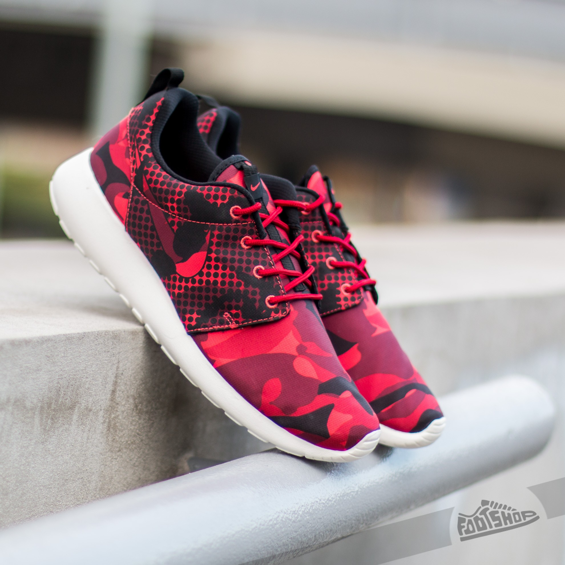 074aa3e56466 Nike Roshe One Print Red  Black-Gym Red