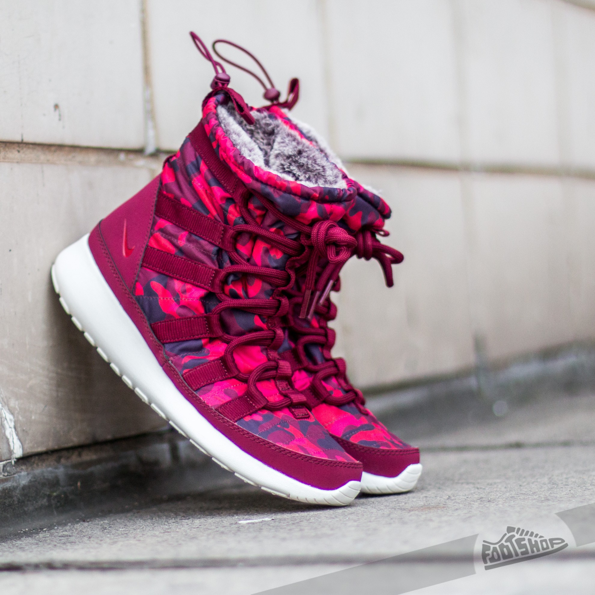 finest selection ce8d2 190d7 Nike WMNS Roshe One Hi Print Deep Garnet/ Gym Red- Very ...