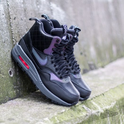 Nike Women's Air Max 1 Mid Sneakerboot Reflect