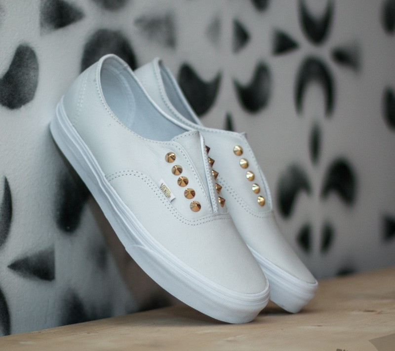 04da0ae1a8 Vans Authentic Gore Studs Leather  True White
