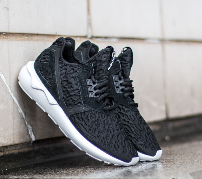 adidas Tubular Runner W Core Black  Core Black  Ftw White  a1c28e112