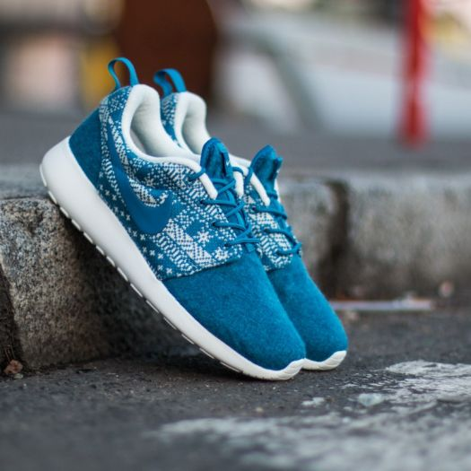 reputable site 29e58 ecb67 Nike WMNS Roshe One Winter Sweater Brigade Blue ...