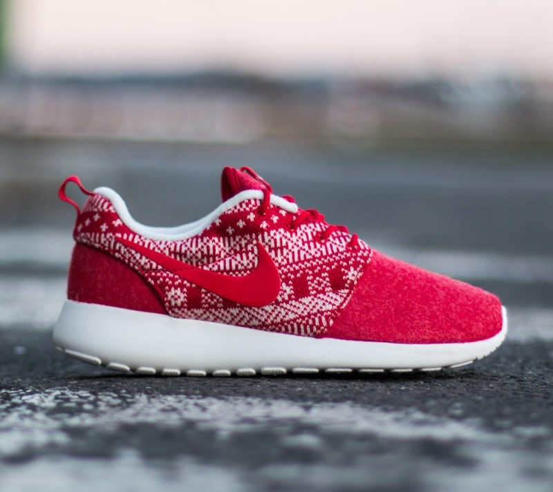 online retailer b0b91 e6eb9 Nike WMNS Roshe One Winter Sweater University Red ...