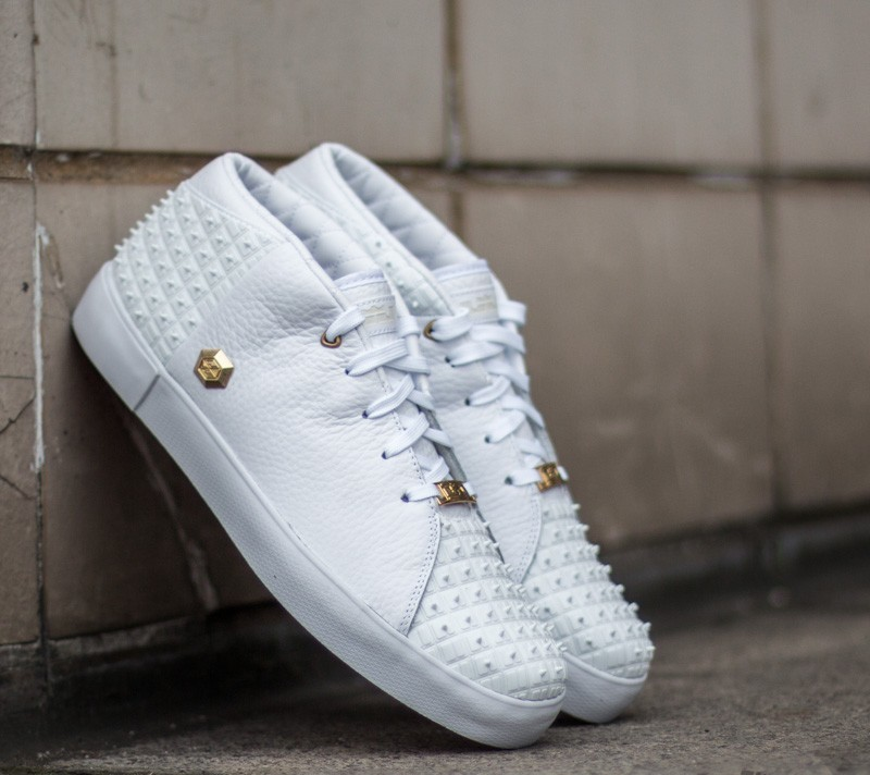 dab1ebe659f79 Nike Lebron XIII Lifestyle White  Metallic Gold-University Red