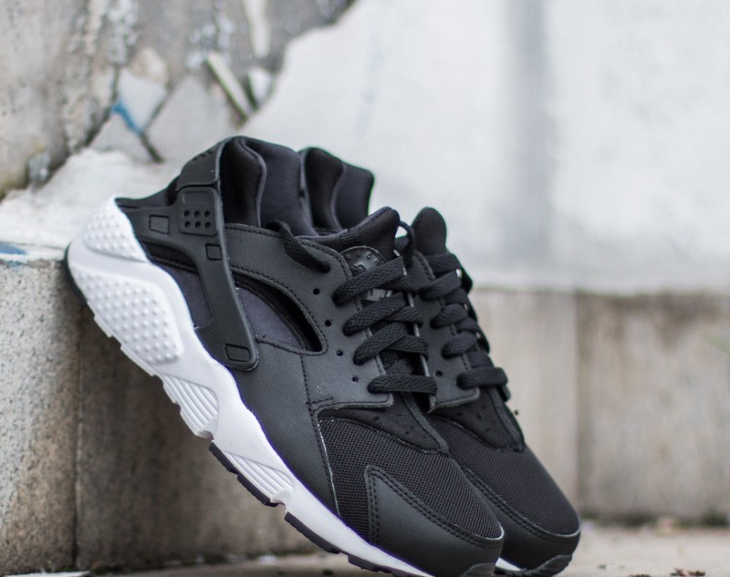 Nike Huarache Run (GS) Black/ White EUR 38