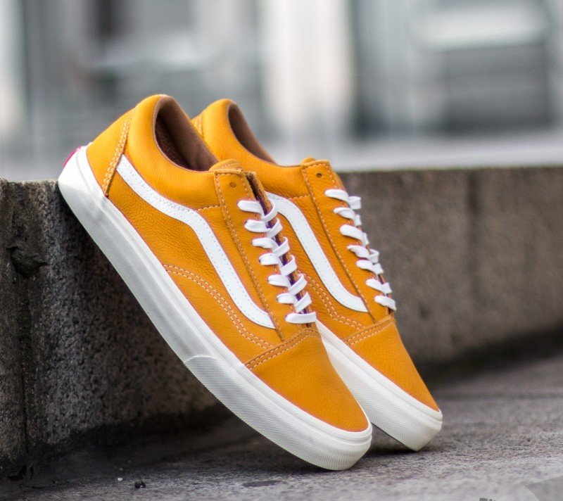 c5a2c643d07db7 Vans Old Skool Reissue Classic Leather Yellow