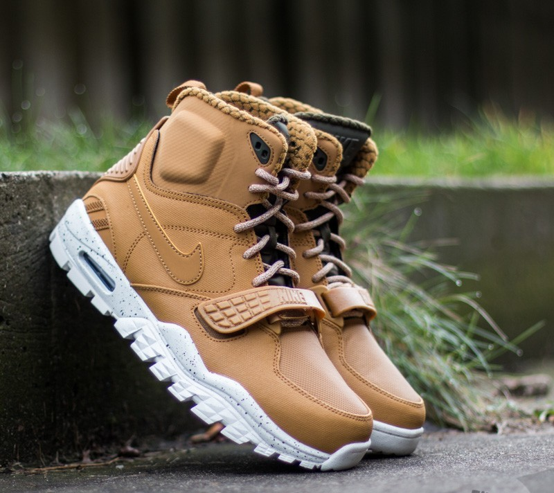 online retailer 46835 12774 Nike Air Trainer SC 2 Boot