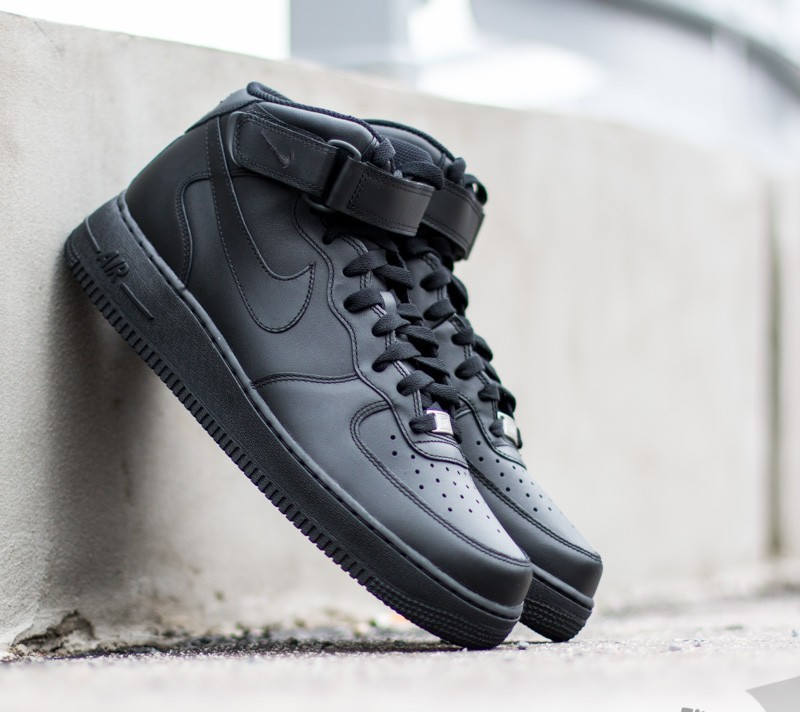Nike Wmns Air Force 1 Mid ´07 LE Black  Black W super cenie 507 dcaba94d2654