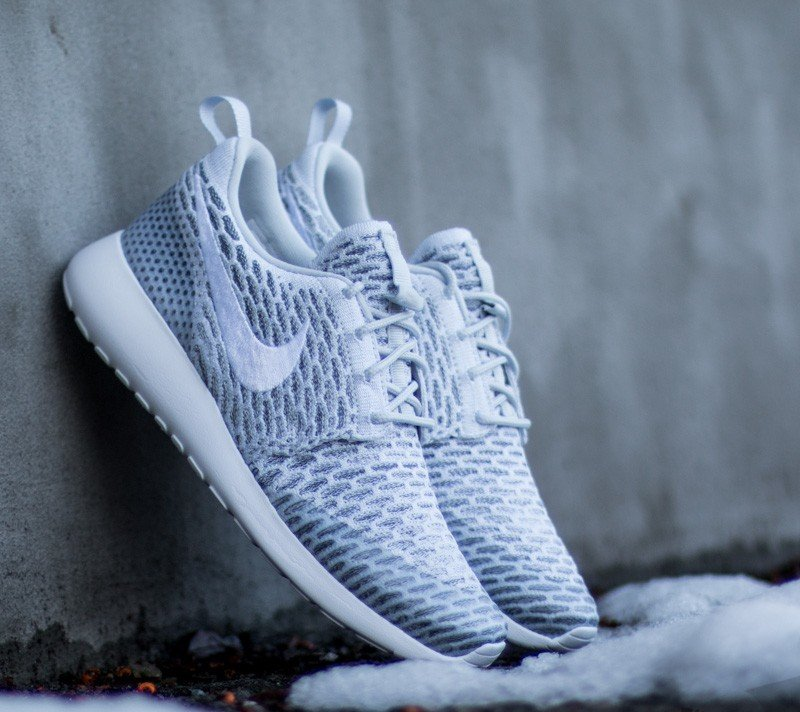 finest selection fb3b5 23ee8 Nike Wmns Roshe One Flyknit Pure Platinum White- Cool Grey