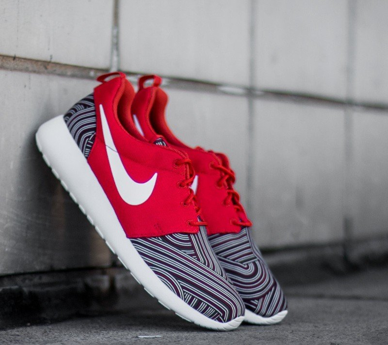 finest selection 2cb6a b68e8 Nike Roshe One Print Unviersity Red White- Tm Red- Gym Red