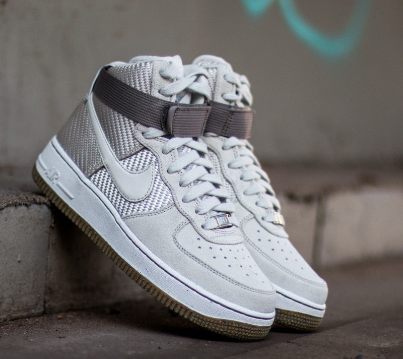 Nike Wmns Air Force 1 Hi Premium Light Bone  Light Bone  7490e9b470