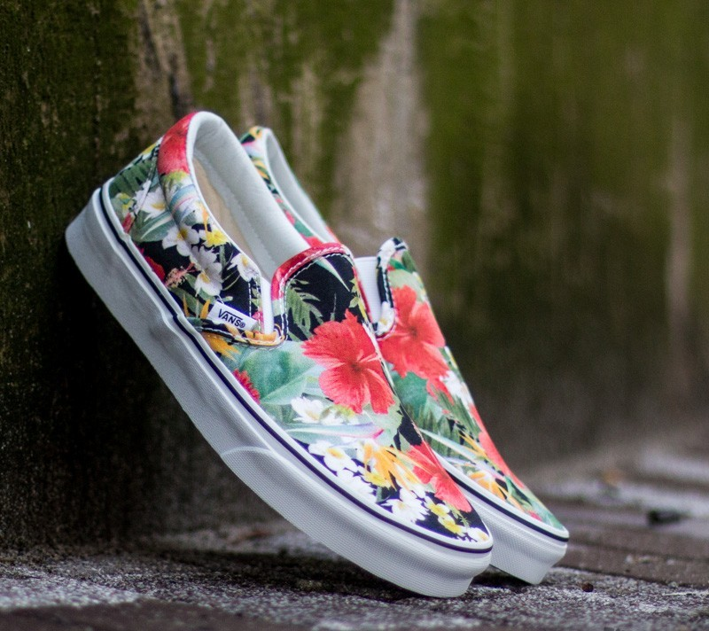 Vans Classic Slip On Digi Aloha Black True White | Footshop