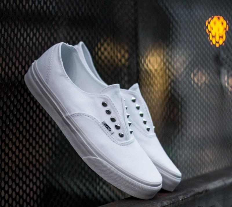 Vans Authentic Gore (Studs) True White | Footshop